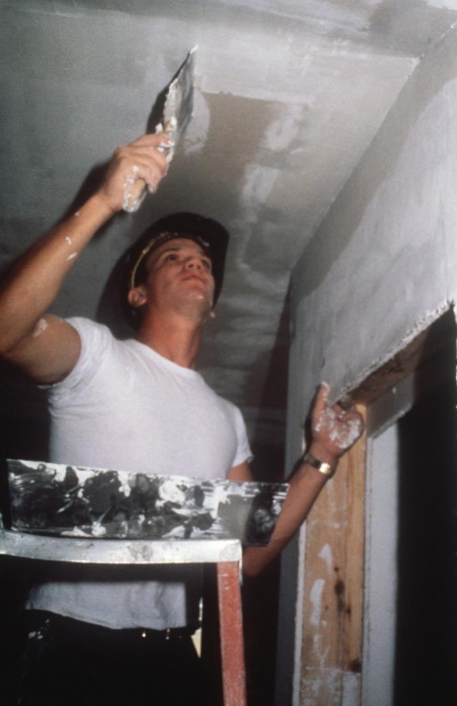 How to Repair Ceiling Cracks
